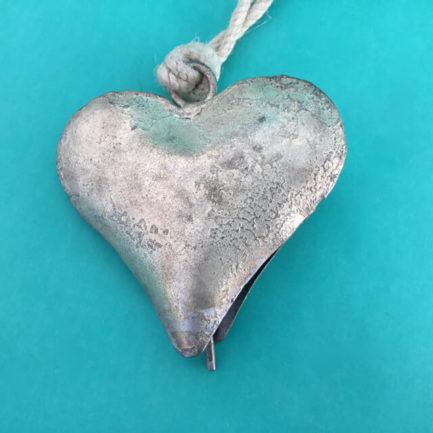 HEART METAL BELL ORNAMENT