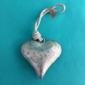 HEART METAL BELL ORNAMENT