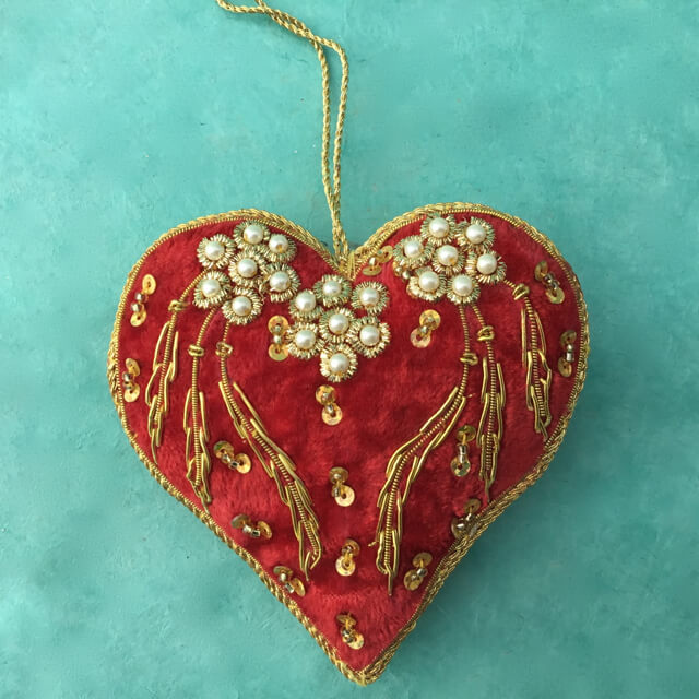 RED EMBROIDERED VELVET HEART ORNAMENT WITH PEARLS